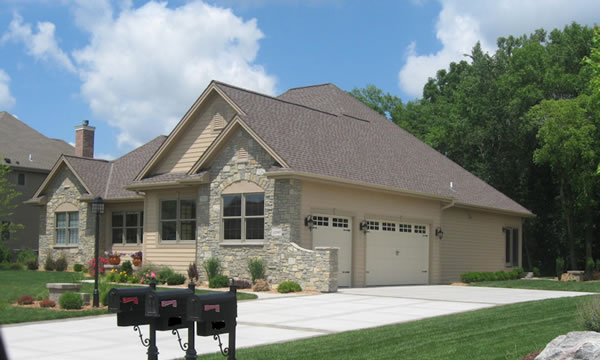 Choosing  a Roofing Contractor in Waukesha and Milwaukee.