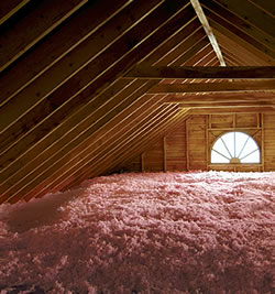 Blown In Attic Insulation Contractor in Waukesha and Milwaukee.
