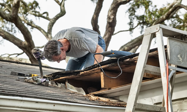 Roofing Maintenance Contractor in Waukesha and Milwaukee.