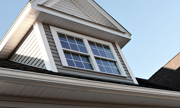 Roof Soffit Installer in Waukesha and Milwaukee.