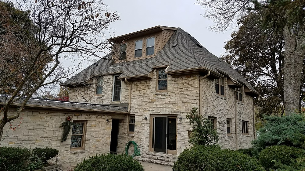 Laminated and Architectural Shingle Installer Mukwonago WI