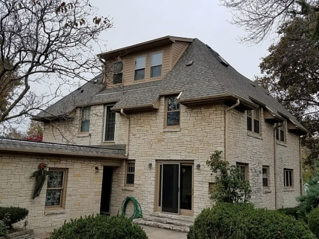 Architectural Shingle Installations in Hartland Wisconsin.